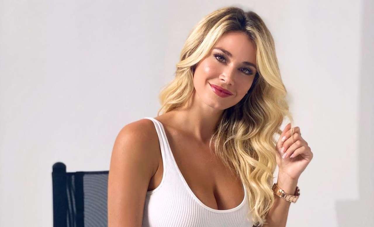 Diletta Leotta da rocker a fatina | Cambio abito da urlo sul web | Video