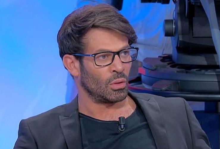 Gianni Sperti esagerato - AltraNotizia