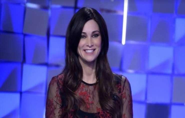 Manuela Arcuri rete inganno - AltraNotizia
