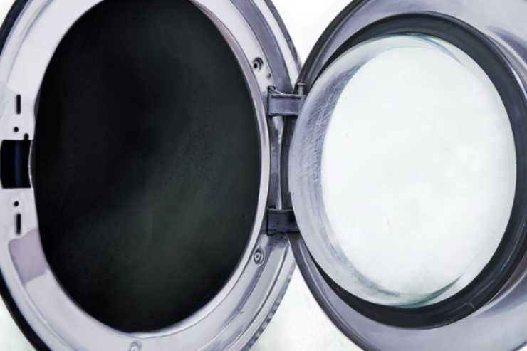 Lavatrice maleodorante: il trucco infallibile che quasi nessuno conosce