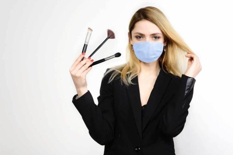 Make-up con mascherina in lockdown
