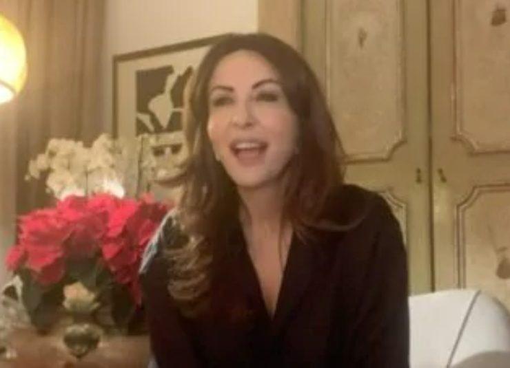 Sabrina Ferilli Svela Il Bigliettino Scritto Da Fazio Imbarazzo In Studio