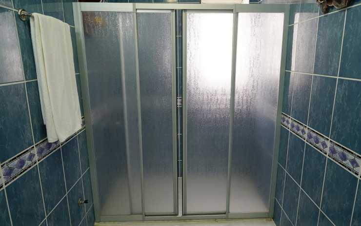 Muffa calcare doccia