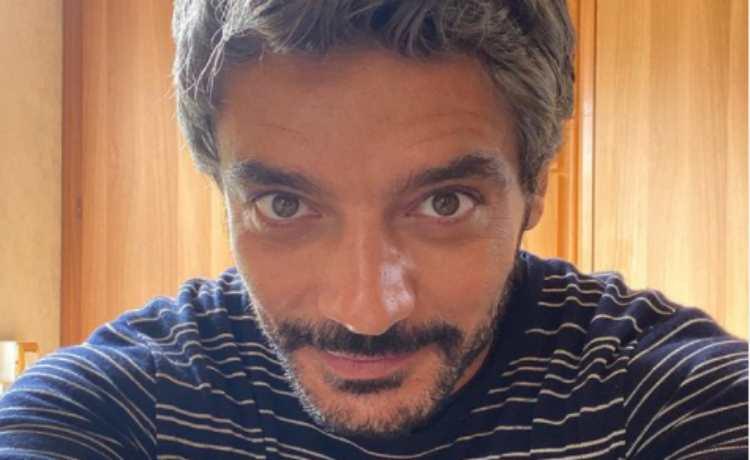 """""""Mina Settembre"""", Giuseppe Zeno è l'affascinante """"Mimmo"""": sapete cosa faceva prima di diventare attore?"""