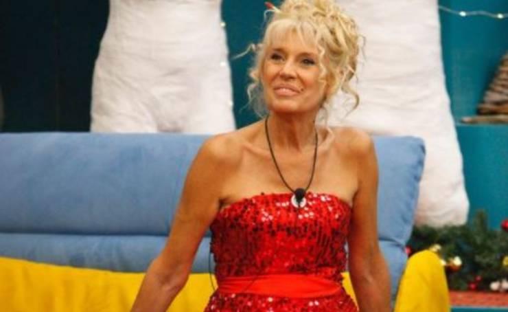 Maria Teresa Ruta: avete mai visto il suo abito da sposa? È davvero pazzesco!