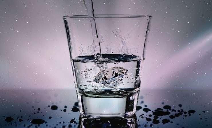 Acqua frizzante fa male