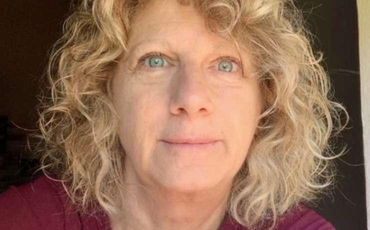 I primi 70 anni di Fiorentina, la donna che si occupa della pulizia di via Lama
