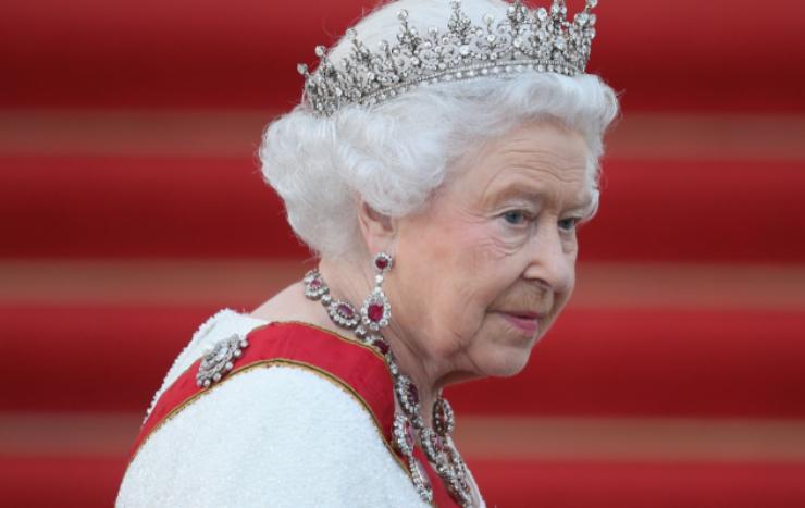 Regina Elisabetta valigia