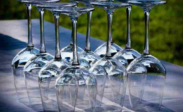 come lavare i bicchieri di vino