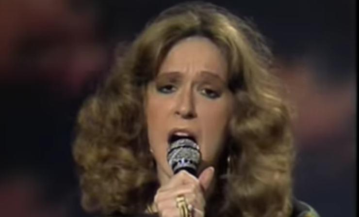 Loretta Goggi cantante