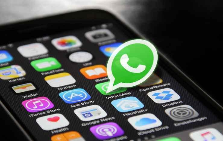 WhatsApp finta versione