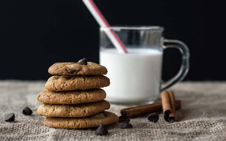 Torta biscotto fatta in casa: la ricetta semplicissima e senza cottura!