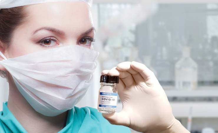 vaccino covid novità Milano