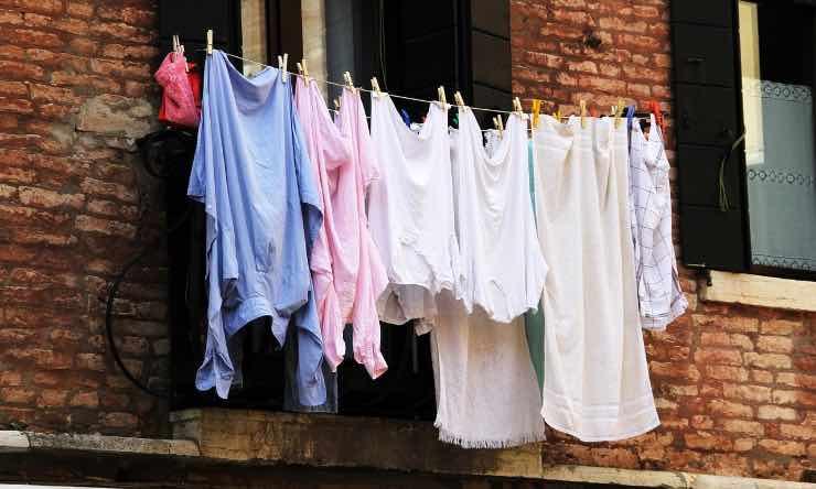 Metodi disinfettare vestiti