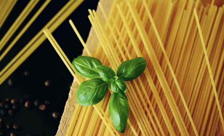 Spaghetti ricetta due ingredienti
