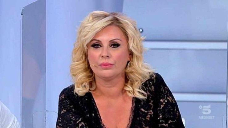 Tina Cipollari addio a Uomini e Donne? L'indizio   Fan in ansia