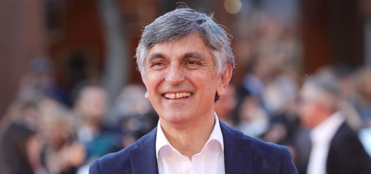 """Vincenzo Salemme, teatro a """"luci rosse"""": """"Te la voglio far vedere…"""" – VIDEO"""