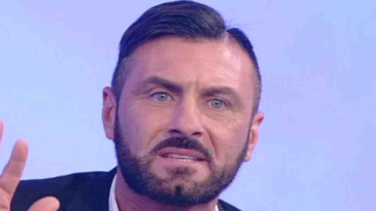 Sossio Aruta dedica agli haters AltraNotizia
