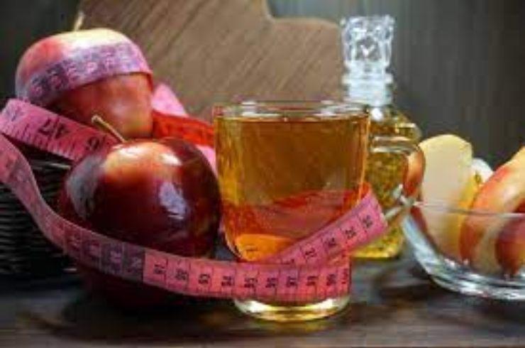 Aceto-di-mele-per-dimagrire-AltraNotizia