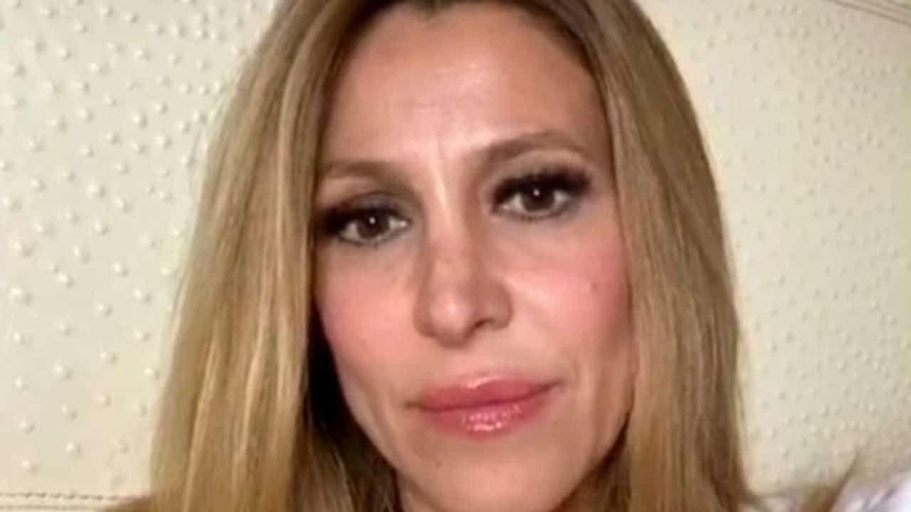 Adriana-Volpe-bionda-Altranotizia