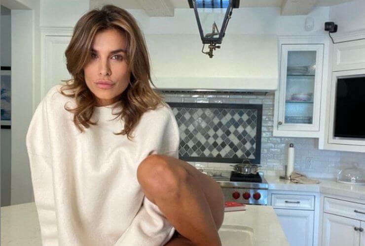 Elisabetta Canalis nella sua cucina