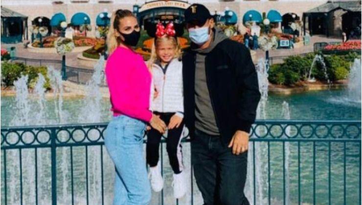 Ilary-Blasi-e-Francesco-Totti-con-famiglia-a-Disneyland