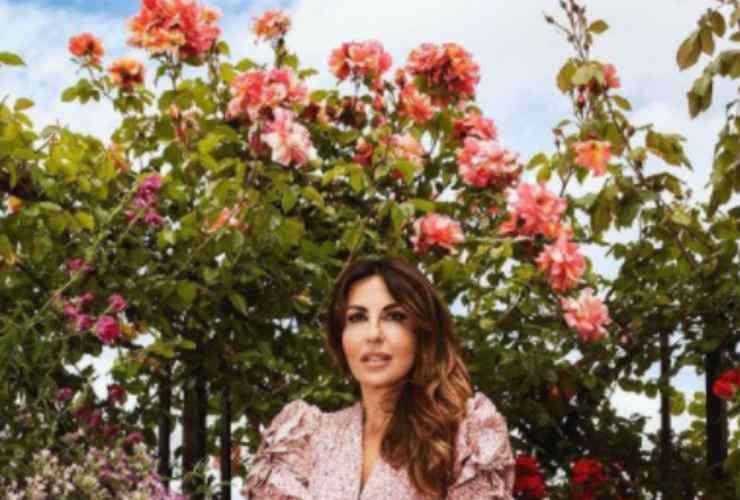 Sabrina Ferilli e le sue rose