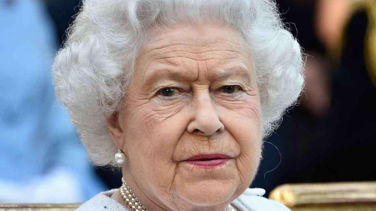 Regina-Elisabetta-II-dolore-Altranotizia