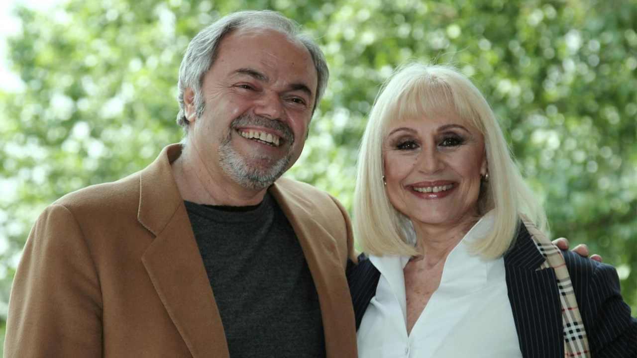 Sergio-Japino-e-Raffaella-Carrà-insieme-felici-Altranotizia
